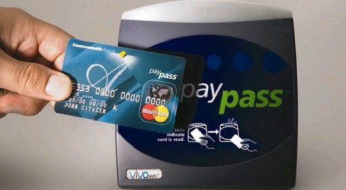 Что такое дебетовая карта и ее преимущество над наличными деньгами - возможности банковских дебетовых пластиковых карточек